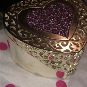 Heart jewelry box & crown necklace attachment
